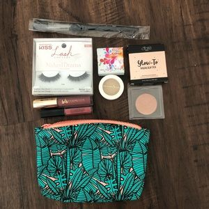 Ipsy bag makeup products- 6 items and a bag
